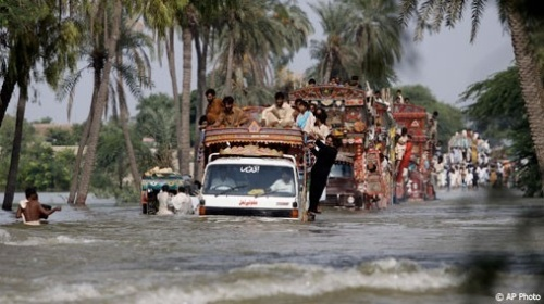 2010_0818_pakistan_flood_m